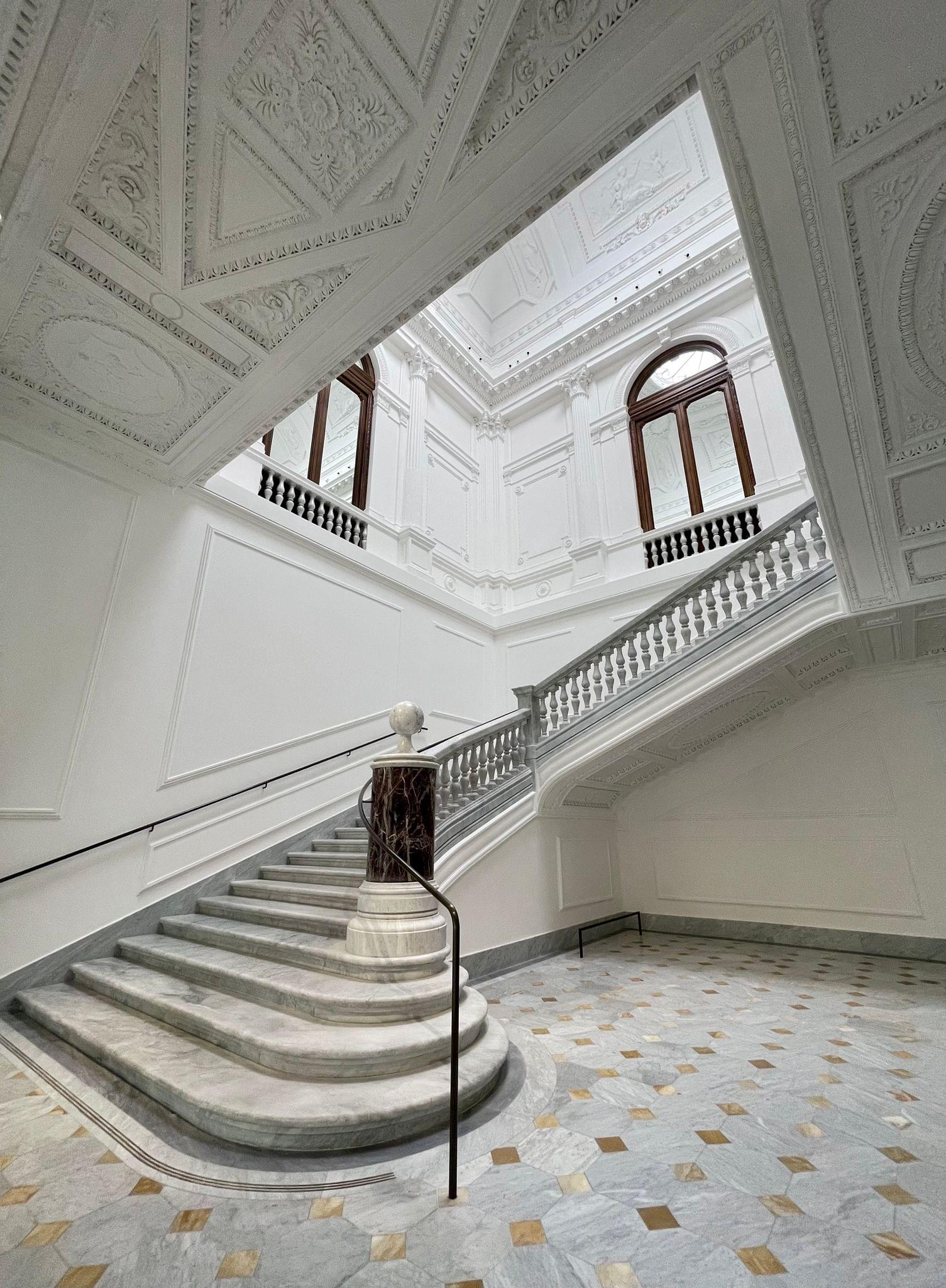 The monumental staircase that takes you to the upper floor. Captured with the iPhone 12 Pro Max's ultra-wide camera.